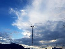 Blå himmel och någon fördunklar Royaltyfria Foton