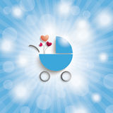 Blå himmel Rays barnvagnen för den blåa pojken Royaltyfri Foto