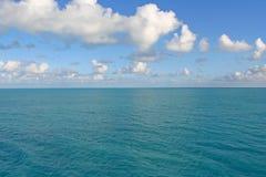 blå horisont Arkivbild