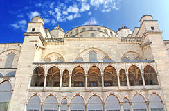 blå istanbul moskékalkon Arkivbild