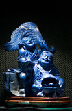 Blå jadeskulptur av guden av rikedom i Kina Arkivfoton
