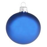 Blå julgarneringboll som isoleras på vit Royaltyfria Bilder
