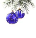 blå jultree för baubles Arkivbild