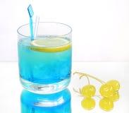 blå kall drink royaltyfri fotografi