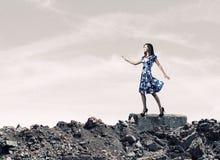 blå klänningkvinna Arkivbilder