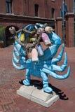 Blå krabba Scultpure Arkivfoton