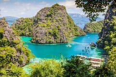 Blå lagun i Coron Palawan Filippinerna Royaltyfri Fotografi