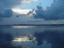 blå lake Arkivfoton