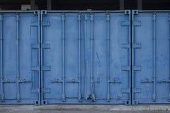 Blå lastbehållare för metall Royaltyfria Foton