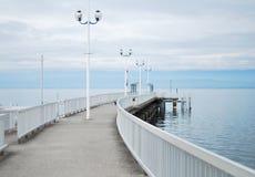 Blå luft och sjön Fotografering för Bildbyråer