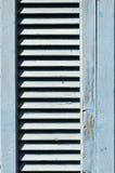 Blå medelhavs- fönsterslutare Royaltyfri Fotografi