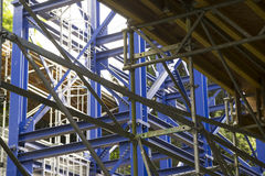 Blå metallstruktur Arkivbild