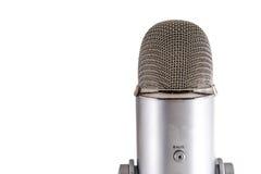 Blå mikrofon för snömanPodcastkondensator Arkivbilder