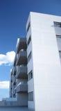blå modern skyskyskrapa arkivbild