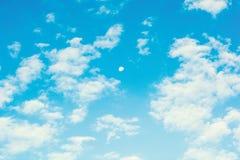 blå molnbakgrund för himmel royaltyfria bilder
