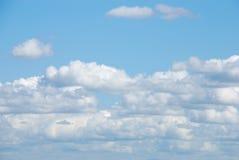 blå molnig sky Royaltyfria Bilder