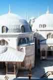 Blå moské från Hagiaen Sophia, Istanbul fotografering för bildbyråer