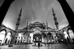 blå moské w för b Arkivfoton
