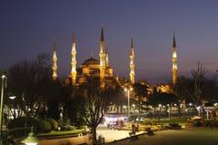 Blå moskéIstanbul sikt vid natt Royaltyfri Foto