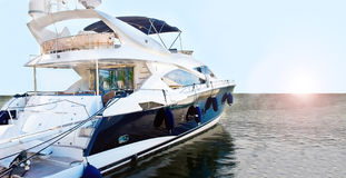blå motorboat Royaltyfri Fotografi