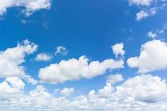 blå naturlig sky för bakgrund royaltyfri foto