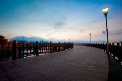 blå ny stilsolnedgångtaipei taiwan tamsui Arkivbilder