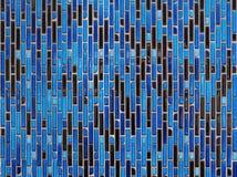 Blå och svart vägg för keramiska tegelplattor för tappning royaltyfri bild