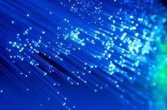 Blå oskarp fiberoptik stänger sig upp Arkivfoton