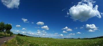 blå panoramasky Royaltyfri Fotografi