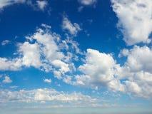 blå panoramasky Arkivfoton