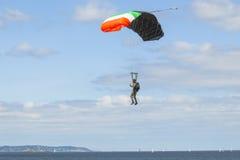 blå parachutistsky Arkivfoto