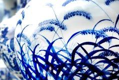 blå porslinwhite royaltyfri fotografi