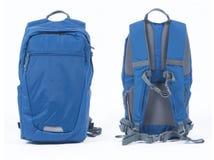 Blå ryggsäck på vit bakgrund Fotografering för Bildbyråer