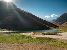 Blå sjö i Anderna, nära av Aconcagua Fotografering för Bildbyråer