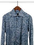 blå skjortawhite för bakgrund Royaltyfria Foton