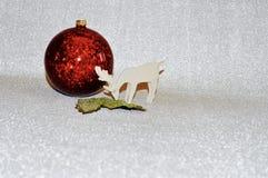 blå skugga för prydnad för julblommaillustration röda julgarneringar fotografering för bildbyråer