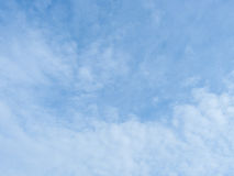 blå sky Arkivfoto