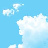 Blå sky med oklarheter arkivbilder