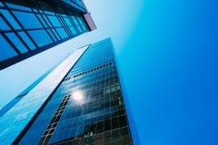Blå skyskrapabakgrund Royaltyfri Fotografi