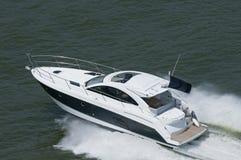 blå speedboatwhite Royaltyfri Foto