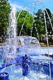 blå springbrunn Royaltyfri Fotografi