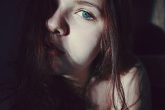 blå synad kvinna Royaltyfri Bild