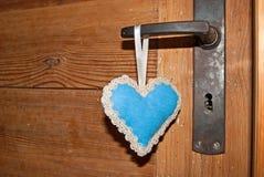 Blå tappningromantikerhjärta royaltyfri bild