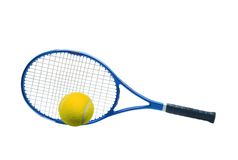 Blå tennisracket och den gula bollen isolerade vit Arkivbild
