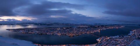 Blå timme över Tromso, Norge Royaltyfria Foton