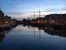 Blå timme i Leiden royaltyfria foton