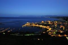 Blå timme på Castellammare del golfo Royaltyfria Foton