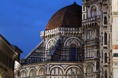 Blå timme på Florence Duomo Arkivbilder