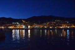 Blå timme på porten av Sanremo Arkivbilder