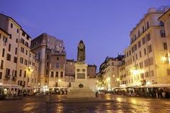 blå timme rome för campodeifiori Royaltyfri Fotografi